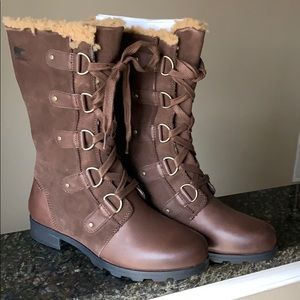 BRAND NEW IN BOX!! Size 9.5 Sorel Emelie Lace!